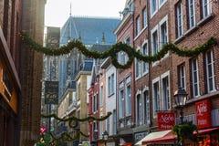 Weihnachten verzierte Einkaufsstraße in Aachen, Deutschland Lizenzfreies Stockfoto