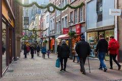 Weihnachten verzierte Einkaufsstraße in Aachen, Deutschland Stockfotos