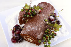 Weihnachten Yule Log Cake Lizenzfreie Stockbilder