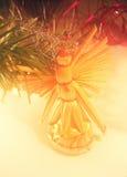 Weihnachtenornamnet auf Tanne Stockbild