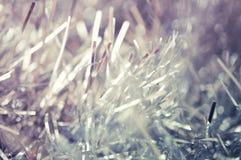 Weihnachts-oder neues Jahr-Hintergrund mit Lametta Stockbild