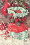 Weihnachts-Sankt-Sack mit Geschenken Lizenzfreie Stockfotos