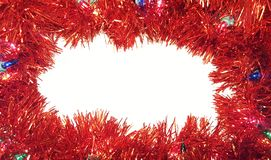 Weihnachts-Tinsel Garland With Lights On White-Hintergrund stockfoto