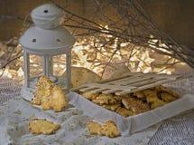 Weihnachts- und des neuen Jahresapfelplätzchen mit Zucker-iin ein Kasten in der festlichen Atmosphäre, Kopienraum, selektiver Fok lizenzfreies stockfoto