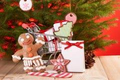 Weihnachts- und des neuen Jahreseinkaufen Stockbild