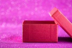 Weihnachts- und des neuen Jahreshintergrund Weihnachtsdekorationsgeschenkbox Lizenzfreies Stockfoto