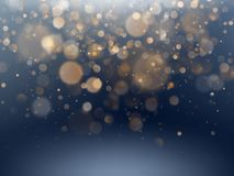 Weihnachts- und des neuen Jahresschablone mit weißen unscharfen Schneeflocken, grellem Glanz und Scheinen auf blauem Hintergrund  lizenzfreie abbildung