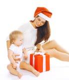 Weihnachts- und Leutekonzept - glückliche Mutter und Kind Lizenzfreie Stockfotos