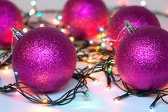Weihnachts- und neues Jahr-Weihnachtsbälle Lizenzfreies Stockbild