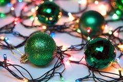 Weihnachts- und neues Jahr-Weihnachtsbälle Lizenzfreie Stockbilder