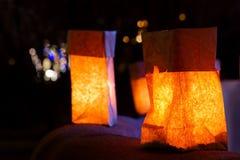 Weihnachtsabend Luminarias Stockfotos