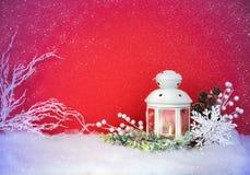 Weihnachtsabends-Laterne und Dekorationshintergrund Lizenzfreie Stockbilder