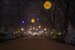 Weihnachtsabendsstraße Lizenzfreies Stockfoto