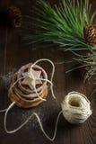 Weihnachtsapfel-Plätzchenstapel stockfotos