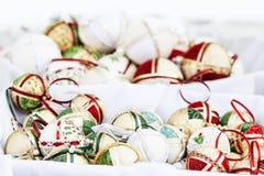 Weihnachtsbälle mit Beschaffenheiten Lizenzfreies Stockfoto