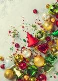 Weihnachtsbälle und -verzierungen Lizenzfreies Stockbild