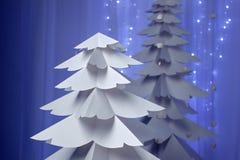 Weihnachtsbäume gemacht vom Papier Stockfotografie
