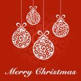 Weihnachtsball-rote Karte Lizenzfreie Stockfotografie