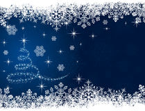 Weihnachtsbaum auf blauem Hintergrund Stockfotos