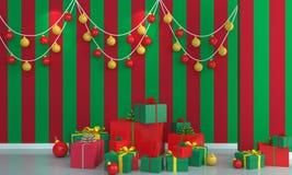 Weihnachtsbaum auf grünem und rotem Wandhintergrund Stockfotos