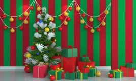 Weihnachtsbaum auf grünem und rotem Wandhintergrund Stockfoto