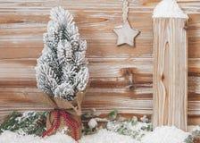Weihnachtsbaum eingewickelt in der Leinwand Stockbilder