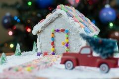 Weihnachtsbaum für das Lebkuchenhaus Lizenzfreies Stockbild