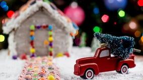 Weihnachtsbaum für das Lebkuchenhaus Stockbild