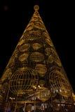 Weihnachtsbaum gebildet von den Leuchten Stockfotos