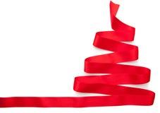 Weihnachtsbaum gemacht vom roten Band lokalisiert Lizenzfreies Stockbild
