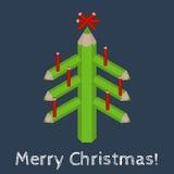 Weihnachtsbaum gemacht von farbigen Bleistiften und von den Wörter frohen Weihnachten Lizenzfreie Stockbilder