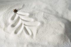 Weihnachtsbaum gezeichnet in Schnee Stockfotografie