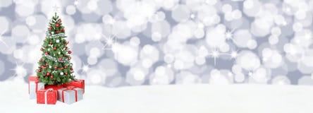 Weihnachtsbaum-Hintergrundfahnenschnee spielt Dekoration copyspace die Hauptrolle Lizenzfreie Stockfotos