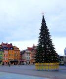 Weihnachtsbaum, königliches Schloss, alte bunte Stadtwohnungen und Sigismund-` s Spalte in der alten Stadt Stockbilder
