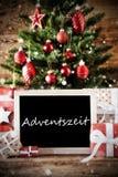 Weihnachtsbaum mit Adventszeit bedeutet Advent Season Lizenzfreie Stockfotos