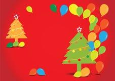 Weihnachtsbaum mit Ballonen auf rotem Hintergrund, Lizenzfreies Stockbild
