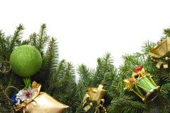 Weihnachtsbaum mit Dekor Lizenzfreie Stockfotos