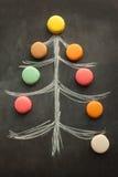Weihnachtsbaum mit Makronen stockbilder