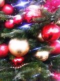 Weihnachtsbaum mit Spielwaren Lizenzfreie Stockbilder