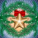 Weihnachtsbaum mit Spielzeug der Goldstern Stockfoto