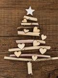 Weihnachtsbaum mit wenig Herzen Stockbild
