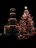 Weihnachtsbaum in Nachtstadt 2 Stockfotografie