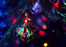 Weihnachtsbaum ` s Spielzeug geschmerzt Stockbild