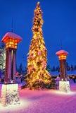 Weihnachtsbaum in Santa Claus-Dorf am nördlichen Polarkreise nahe Rova Lizenzfreie Stockfotos