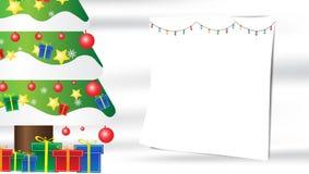 Weihnachtsbaum-Schneeflockengeschenkzusammensetzung auf weißem silk Hintergrund mit Kopienraum für Ihren Text stock abbildung