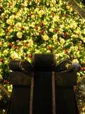 Weihnachtsbaum und Dekorationen Lizenzfreie Stockfotos
