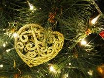 Weihnachtsbaum und Dekorationen Lizenzfreie Stockbilder