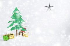 Weihnachtsbaum und Geschenk Stockfotos