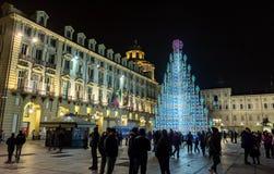 Weihnachtsbaum und Hauptplatz in Turin, Italien Lizenzfreie Stockfotos