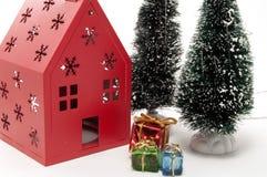 Weihnachtsbaum und Haus Szene Lizenzfreies Stockfoto